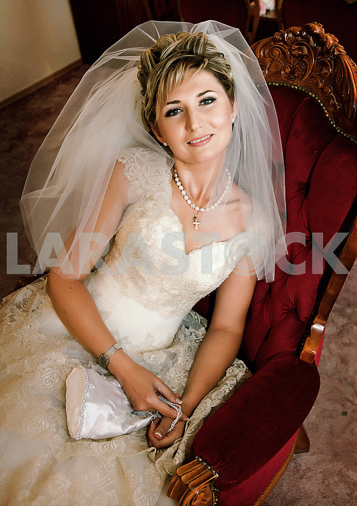 Portrait of beautiful bride — Image 10143