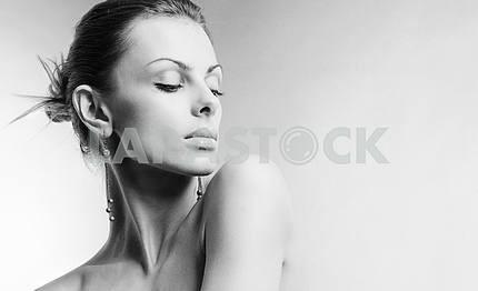 Портрет красивая молодая женщина