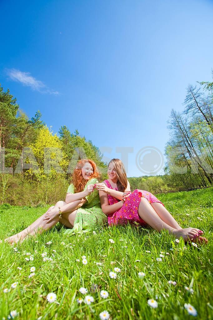 Mom and Daughter Having Fun — Image 11335