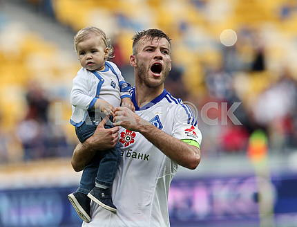 Andriy Mykolaiovich Yarmolenko with his son