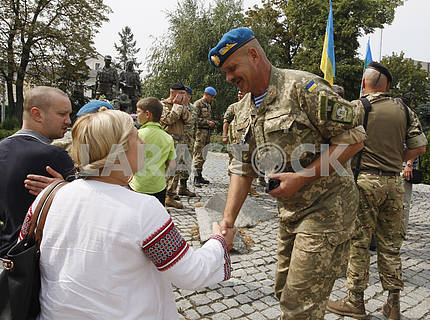 Увольняемых военнослужащих прибыли в Киев