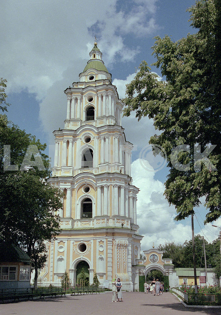 Trinity Cathedral in Chernihiv included in the complex of Trinity-Elias Monastery based on Boldin Hills in the XI century. Anthony Caves. — Image 13362