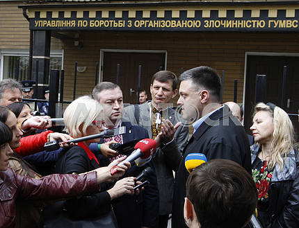Oleg Tyagnibok arrived for questioning to Investigation Department of the Ministry of Internal Affairs of Ukraine.