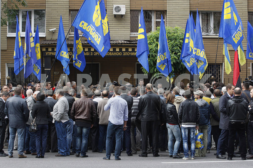 Oleg Tyagnibok arrived for questioning to Investigation Department of the Ministry of Internal Affairs of Ukraine. — Image 13452