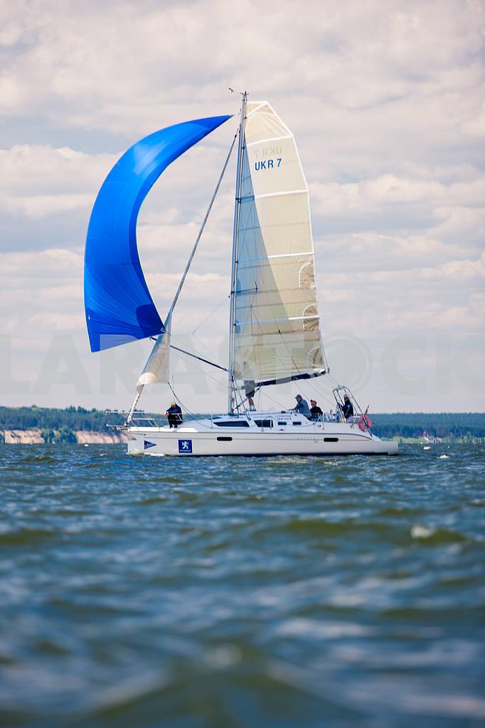 Yachts sailing — Image 13815