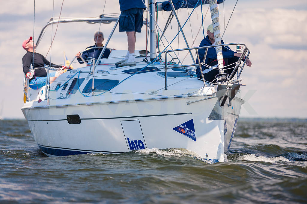 XII Sailing Regatta, held in the summer and autumn of 2015, at the Kiev reservoir — Image 13817