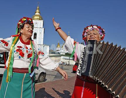 Women dressed in Ukrainian clothes.