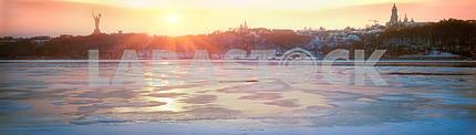 Крупнейшая река Днепр Украины