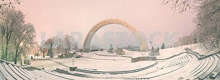 Мариинский сад во время ненастной погоды
