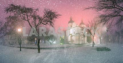 Blizzard and rain enveloped Kiev