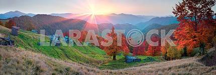 Убежище в горах осенью