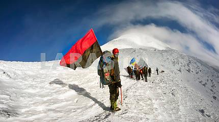 Flags of Ukraine climbers