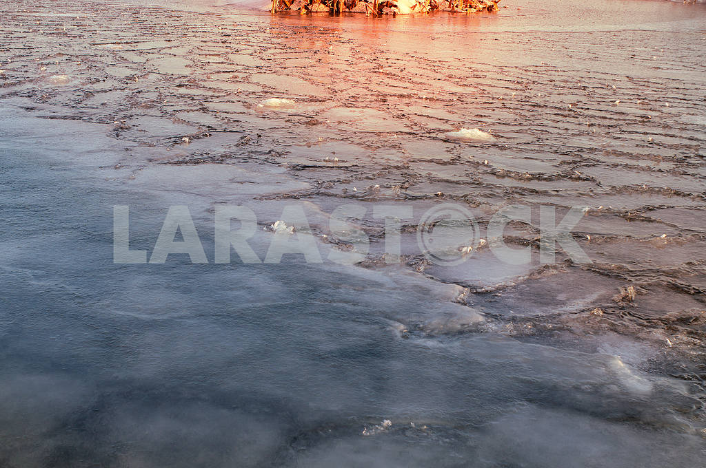 Ice on the Dnieper — Image 15778