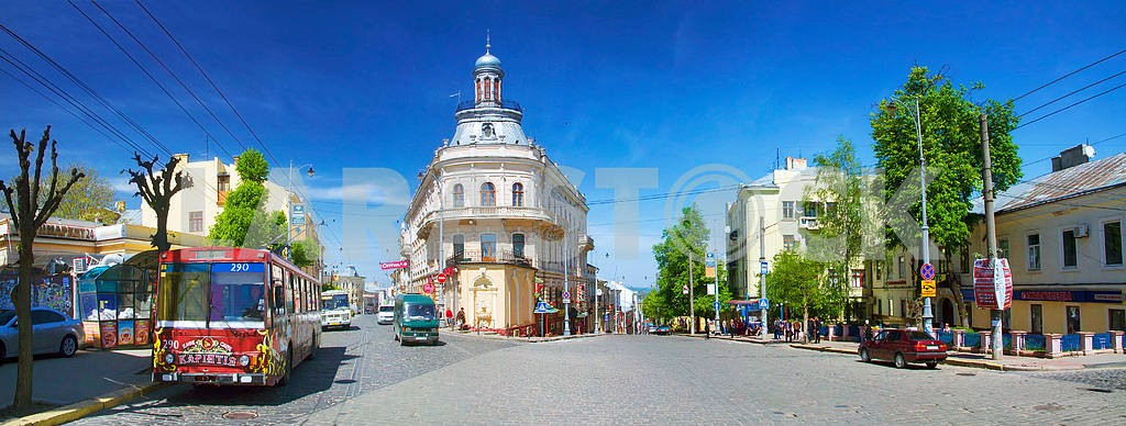 Chernovtsy- известным и популярным