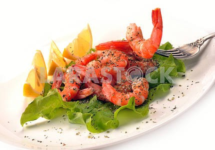 Salad of shrimp, mixed greens