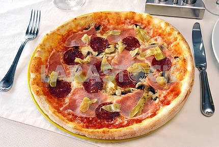 Pizza with ham and salam