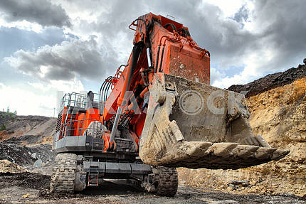 The big dredge digs