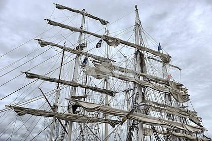 Портовый старого парусника