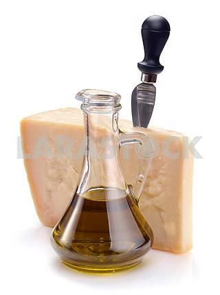 Сыр пармезан и оливковое масло
