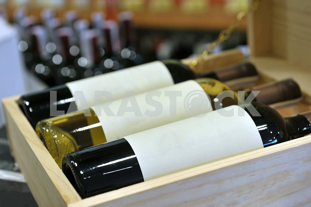 Wine in bottles in wine shop — Image 18220