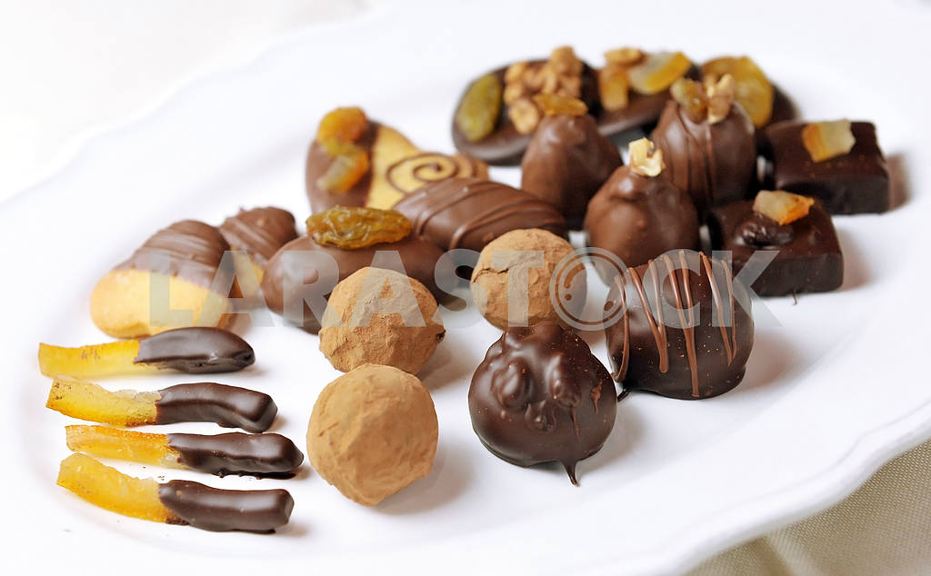 Various sorts of luxury confectionary chocolate — Image 18258