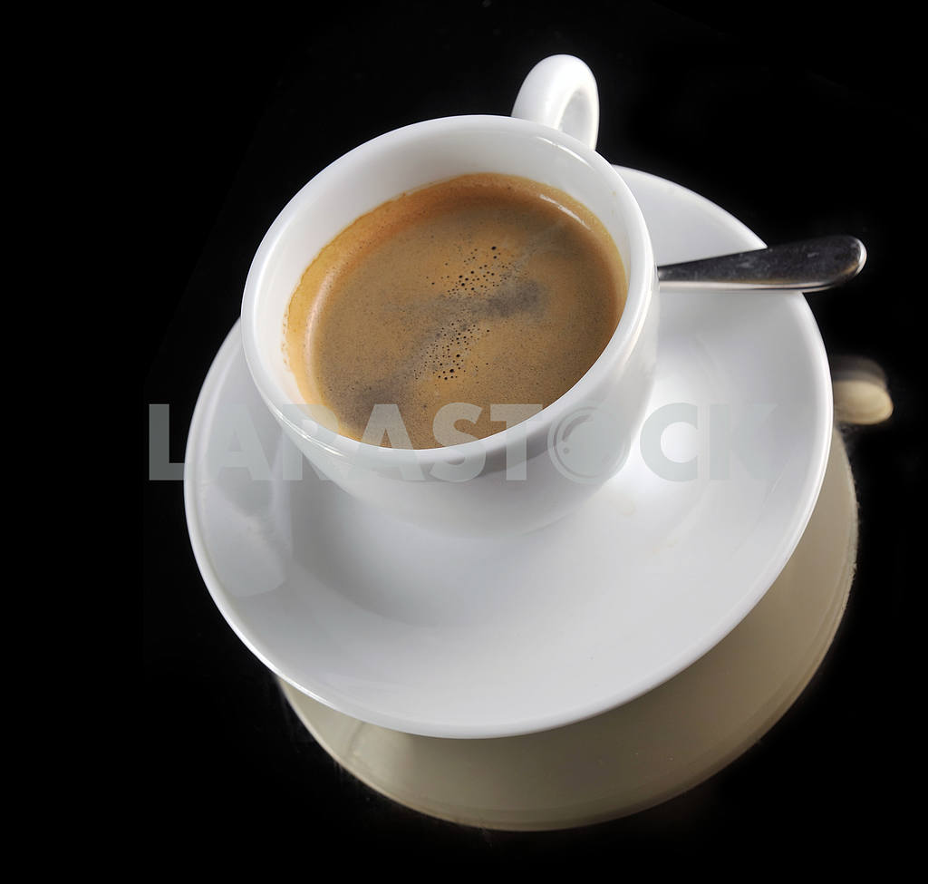 Cup of coffee on the black — Image 18384