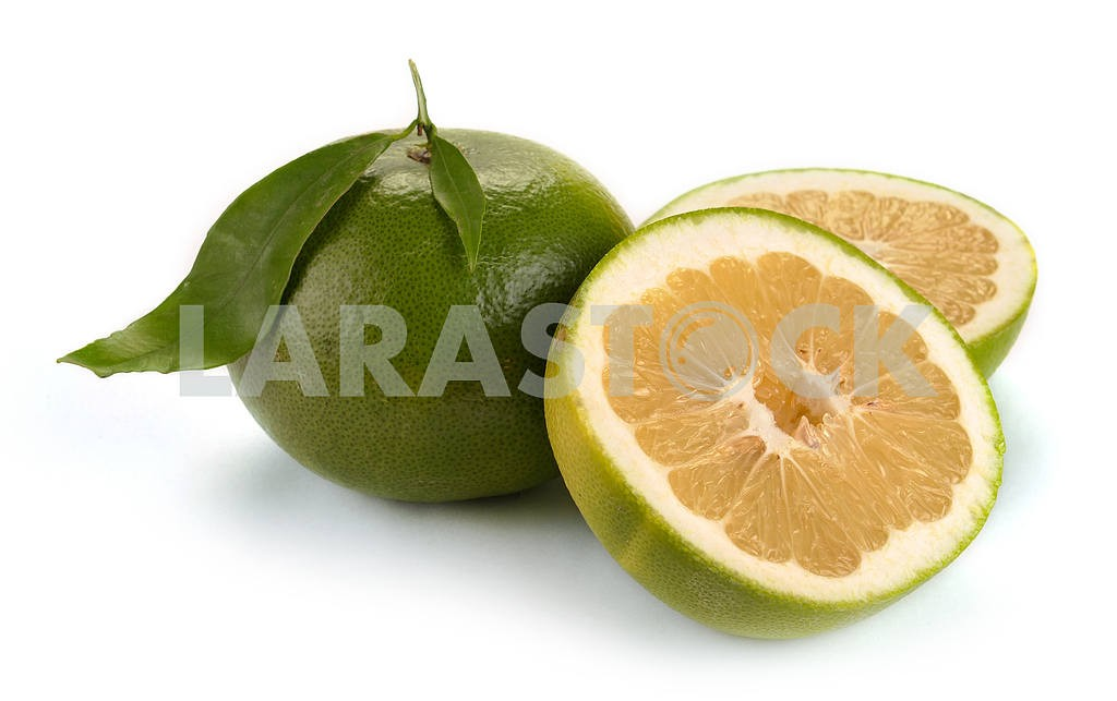 Citrus sweety fruit with leaves — Image 18583