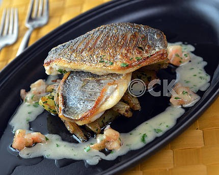 Grilled Dorado with potatoes and fennel