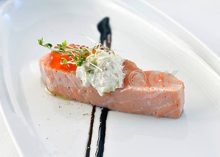 Abdomen salmon with red caviar