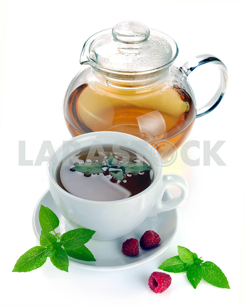 Tea with raspberries and mint — Image 18794