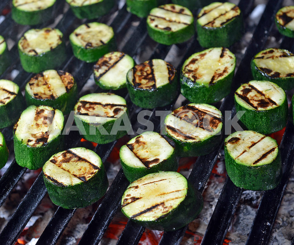 Grilled zucchini — Image 19636