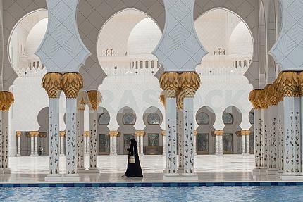 Большая мечеть шейха Заида, Абу-Даби