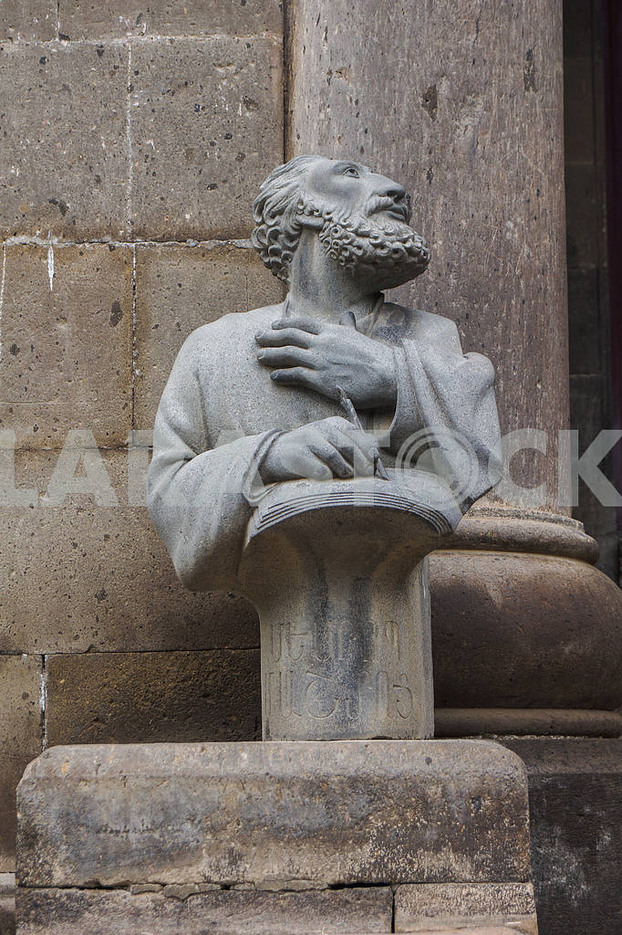 Bust monk. Echmiadzin Cathedral. — Image 20002