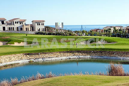 Озеро в гольф-клубе