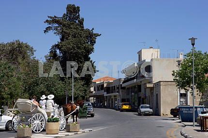 Карета на улице Пафоса