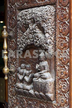 Деревянная дверь. Непал, Катманду