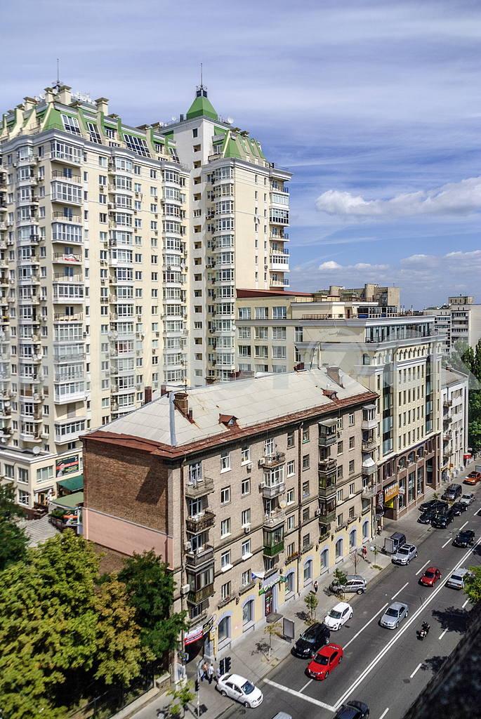 Kiev. Artema Street (Sich Riflemen) — Image 20699