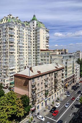 Kiev. Artema Street (Sich Riflemen)