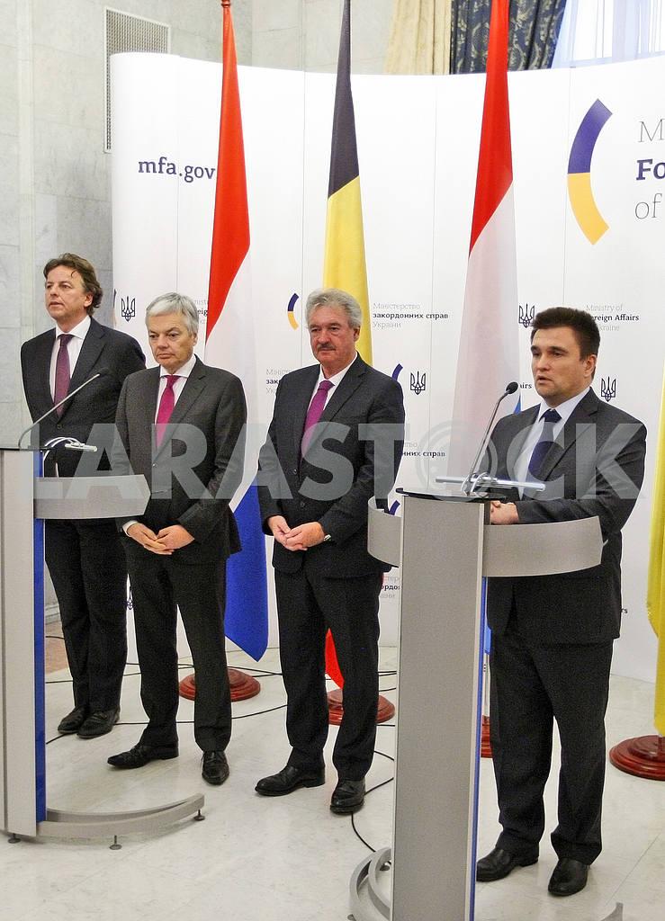 Пресс-конференция министров иностранных дел Украины, Бельгии, Нидерландов и Люксембурга в Киеве. — Изображение 21057