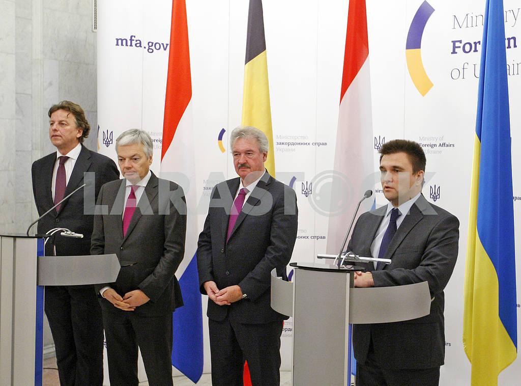 Пресс-конференция министров иностранных дел Украины, Бельгии, Нидерландов и Люксембурга в Киеве. — Изображение 21058