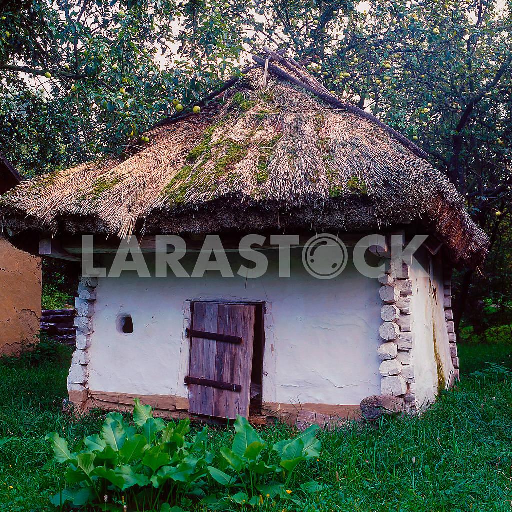 Ukrainian barn. Museum of Folk Architecture. Pereyaslav-Khmelnitsky — Image 21540