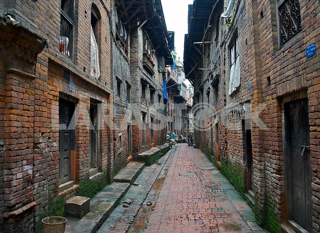 Streets of ancient Bhaktapur — Image 2157