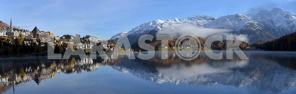 Lake St. Moritz with the first snow in the autumn — Image 21752