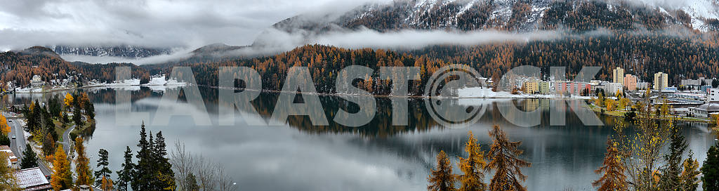Lake St. Moritz with the first snow in the autumn — Image 21753