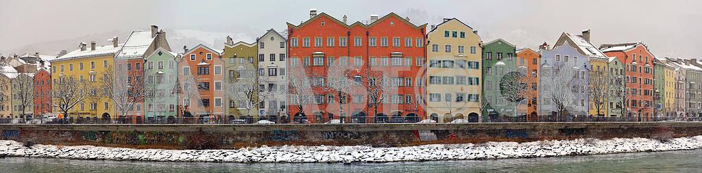 Вид на старый квартал Инсбрука — Изображение 21793