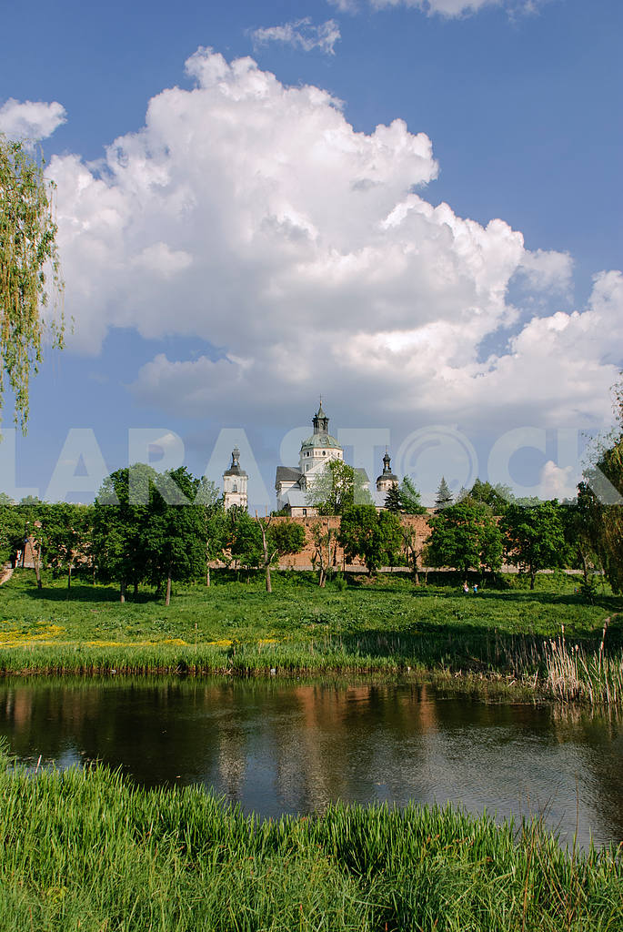 Monastery of the Discalced Carmelites - an ancient temple in Berdichev Zhytomyr region — Image 2193