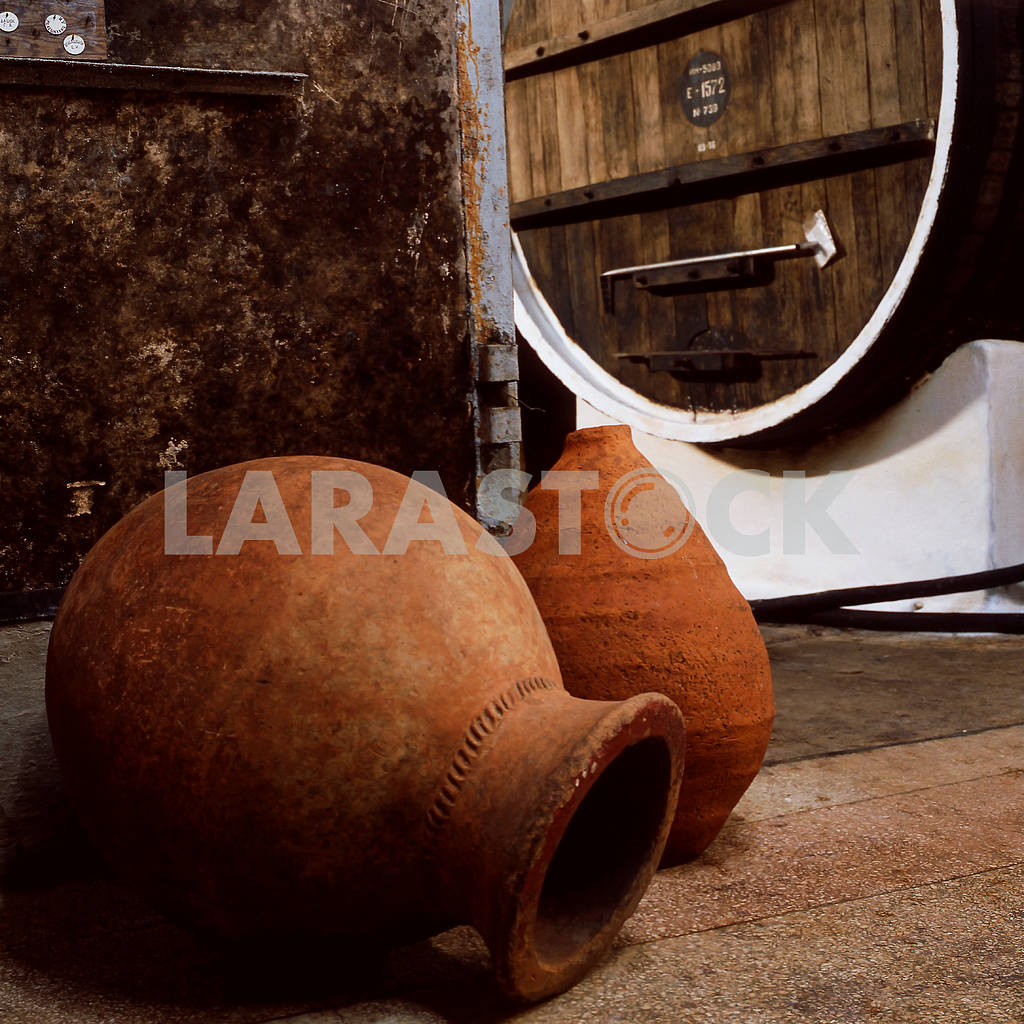 Old clay pots — Image 21986