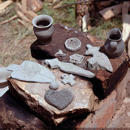 Modern souvenirs of clay