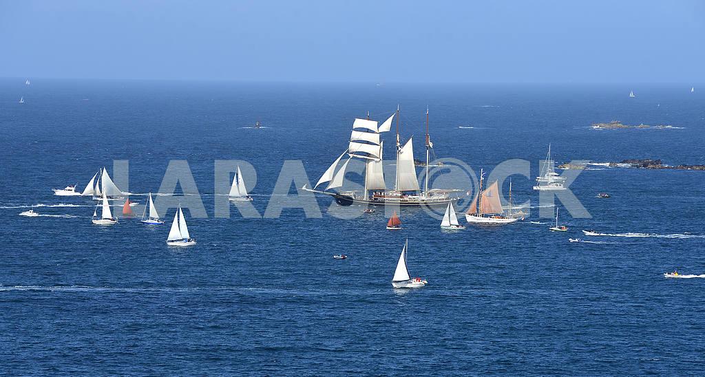 Parade of tall ships — Image 2221