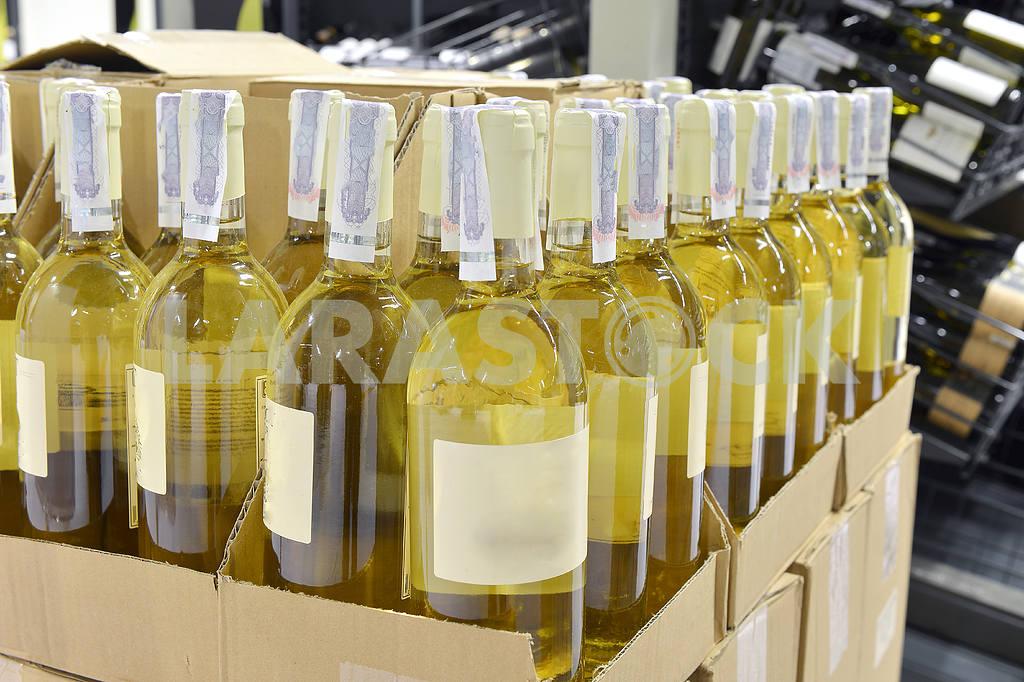 White wine in bottles — Image 2232